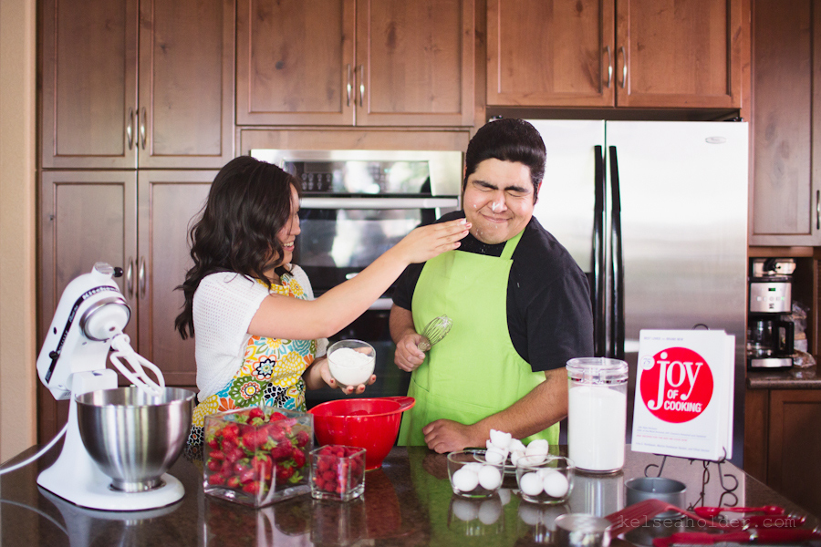 kelseaholder_picnic_baking_engagement006