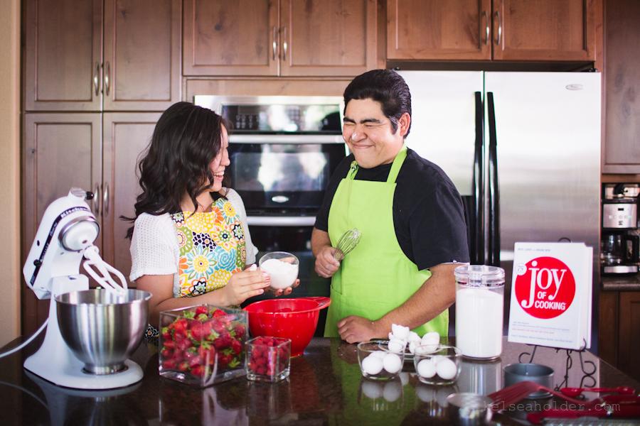 kelseaholder_picnic_baking_engagement007