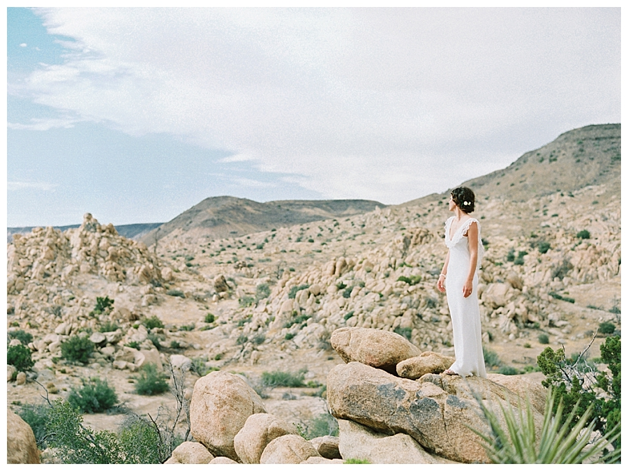 A la robe wedding gown