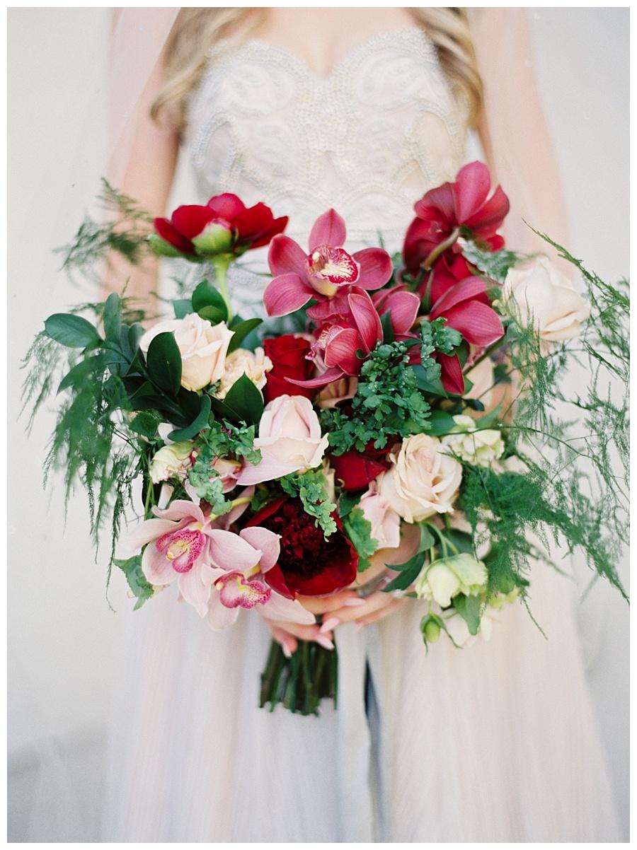 Red Bouquet, Winter Wedding Ideas